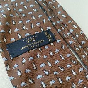 """346"" Brooks Brothers Pure Silk penguin tie"
